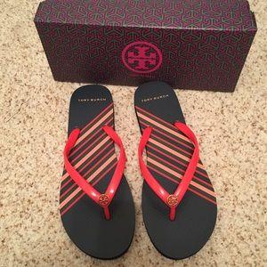 Tory Burch Flip Flop Sandals 9 New